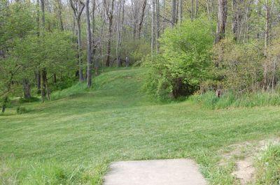 Clarence Darrow Park (Young's Run), Main course, Hole 9 Short tee pad