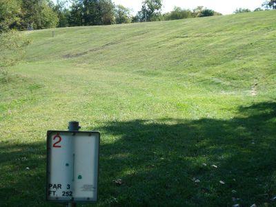 Osborne Park Disc Golf, Main course, Hole 2 Tee pad