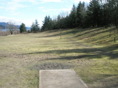 Rooster Rock, East, Hole 1 Tee pad