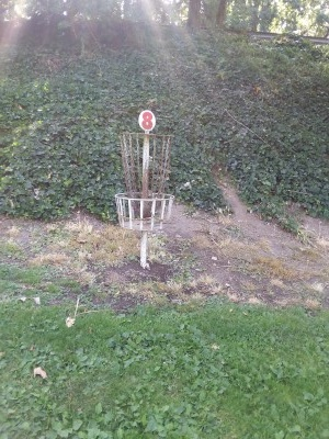Riverside Park, Main course, Hole 8 Hole sign