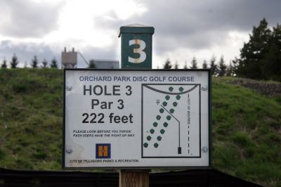 Orchard Park, Main course, Hole 3 Hole sign