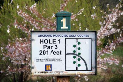 Orchard Park, Main course, Hole 1 Hole sign