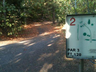 Hood River DGC, Main course, Hole 2 Tee pad