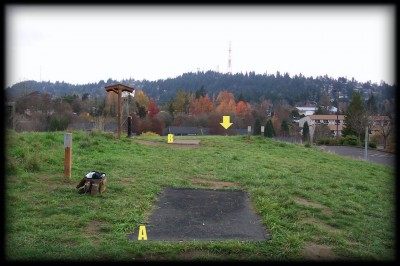 Portland Lunchtime DGC, Main course, Hole 1 Tee pad