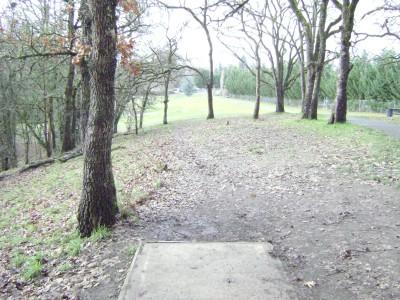 Riverfront Park, Main course, Hole 17 Tee pad
