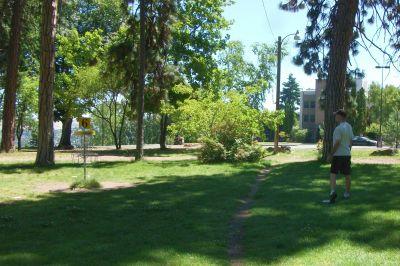 Tree Top DGC at Sorosis Park, Main course, Hole 6 Putt