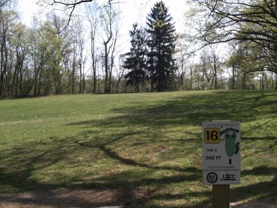Little Lehigh Parkway, Main course, Hole 16 Tee pad