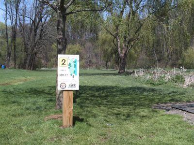Little Lehigh Parkway, Main course, Hole 2 Tee pad