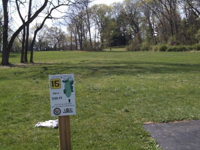 Little Lehigh Parkway, Main course, Hole 15 Tee pad