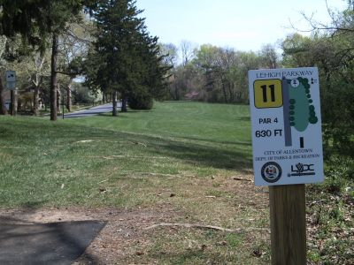 Little Lehigh Parkway, Main course, Hole 11 Tee pad