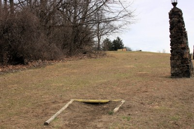 Hacketts Park, Main course, Hole 10 Tee pad