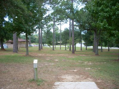 University of South Alabama, Main course, Hole 1 Tee pad