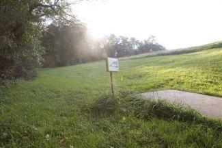 Anson B. Nixon Park, Main course, Hole 10 Short tee pad