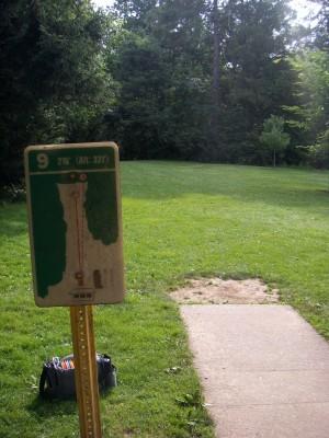 D. F. Buchmiller Park, Main course, Hole 9 Hole sign