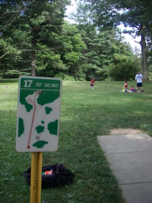 D. F. Buchmiller Park, Main course, Hole 17 Hole sign