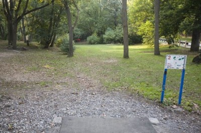 Sedgley Woods, Main course, Hole 2 Short tee pad