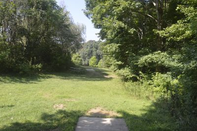 Deer Lakes Park, Main course, Hole 9 Long tee pad
