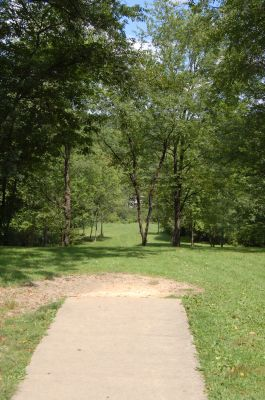 Knob Hill Park, Main course, Hole 9 Tee pad