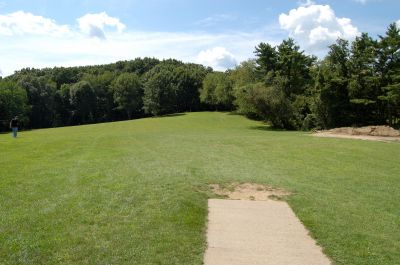 Knob Hill Park, Main course, Hole 8 Tee pad