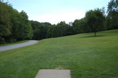 Knob Hill Park, Main course, Hole 18 Tee pad