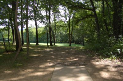 Knob Hill Park, Main course, Hole 6 Tee pad