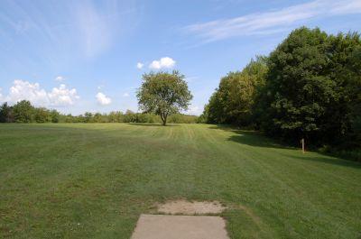 Knob Hill Park, Main course, Hole 7 Tee pad