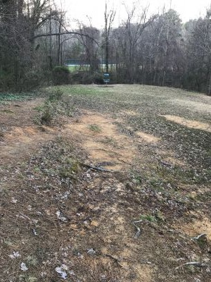 University of North Carolina, Main course, Hole 13 Midrange approach
