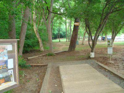 Hornets Nest Park, Main course, Hole 1 Tee pad