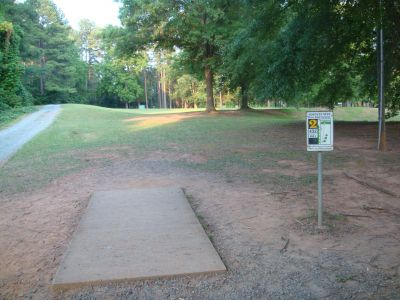 Hornets Nest Park, Main course, Hole 2 Tee pad