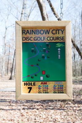 Rainbow City DGC, Main course, Hole 7 Hole sign
