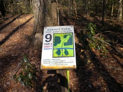 Barnet Park, Main course, Hole 9 Hole sign