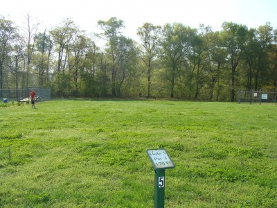 Betty G. Ross Park, Main course, Hole 5 Tee pad