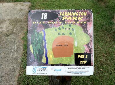 Farmington Park, Main course, Hole 18 Hole sign