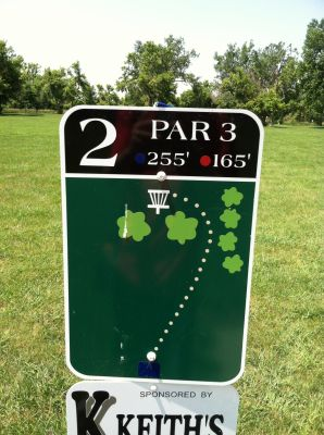 Adrian DGC, Main course, Hole 2 Hole sign
