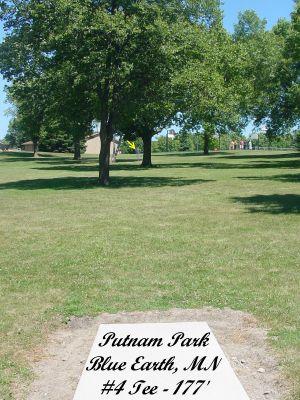 Putnam Park, Main course, Hole 4 Tee pad
