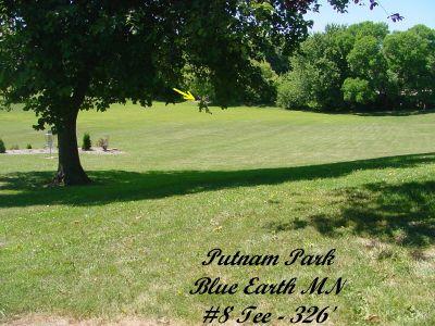Putnam Park, Main course, Hole 8 Tee pad