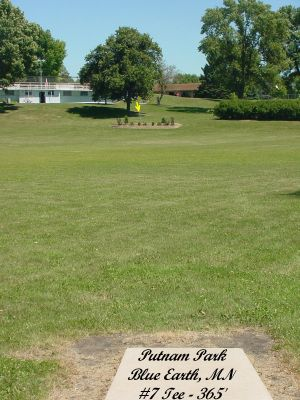 Putnam Park, Main course, Hole 7 Tee pad