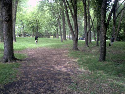 Bassett Creek Park, Main course, Hole 1 Tee pad