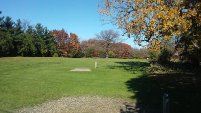 Staring Lake Park, Main course, Hole 9 Long tee pad