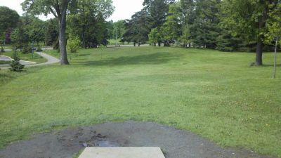 Highland Park, Main course, Hole 1 Tee pad