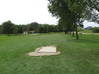 Crystal Lake Park, Main course, Hole 11 Tee pad