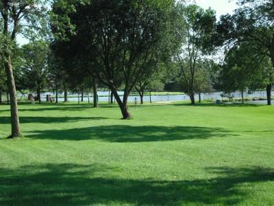 Crystal Lake Park, Main course, Hole 7 Tee pad