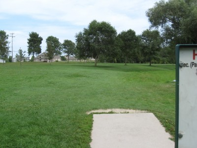 Crystal Lake Park, Main course, Hole 12 Tee pad
