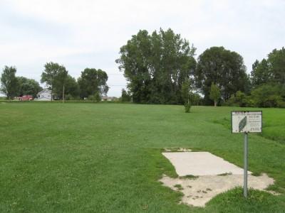 Crystal Lake Park, Main course, Hole 10 Tee pad
