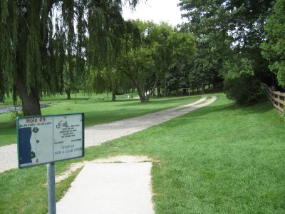 Crystal Lake Park, Main course, Hole 9 Tee pad