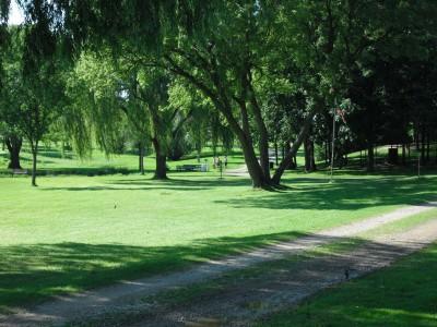 Crystal Lake Park, Main course, Hole 9 Tee pad
