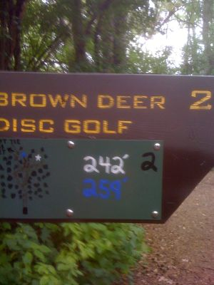 Brown Deer Park, Main course, Hole 2 Hole sign