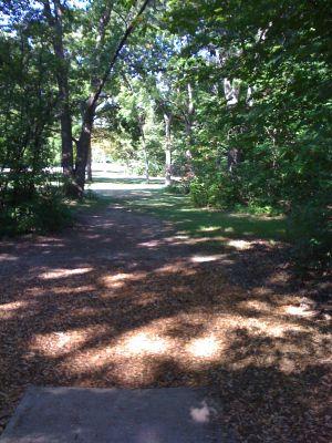 Brown Deer Park, Main course, Hole 13 Tee pad