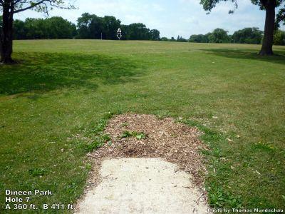 Dineen Park, Main course, Hole 7 Tee pad