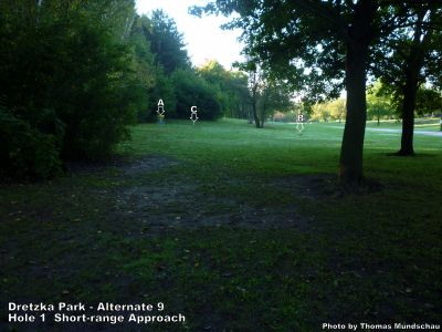 Dretzka Park, Main course, Hole 19 Short approach